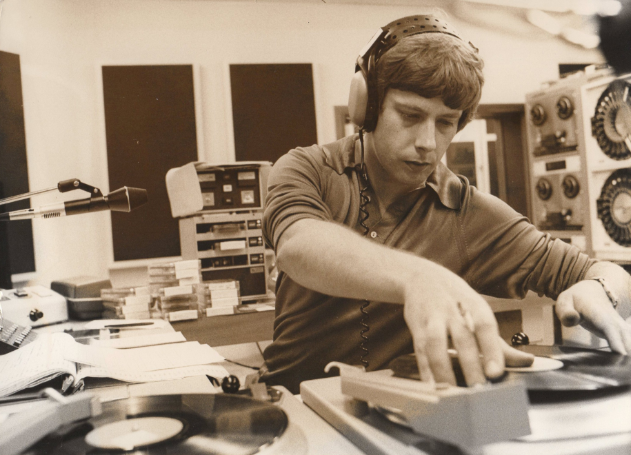 This site is dedicated to the DJ's DJ. The late, great Roger Scott.
